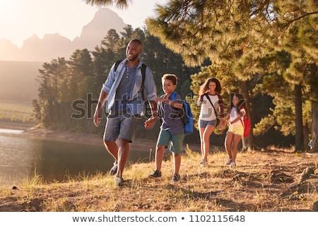 vader · zoon · wandelen · platteland · kinderen · man · natuur - stockfoto © monkey_business