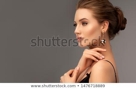 Portret lux femeie bijuterii buze machiaj Imagine de stoc © serdechny
