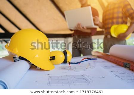 建設作業員 · 立って · シャベル · 男性 · 白人 · 黄色 - ストックフォト © photography33