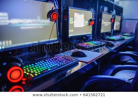 jovem · computador · escritório · negócio · mão · cabelo - foto stock © ssuaphoto