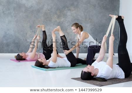 nő · áll · jóga · pozició · gyakorol · állvány - stock fotó © dolgachov