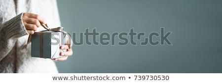 Karácsony ajándék doboz kezek ünnepi kéz háttér Stock fotó © furmanphoto