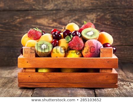 Stok fotoğraf: Taze · kırmızı · olgun · elma · meyve · ahşap