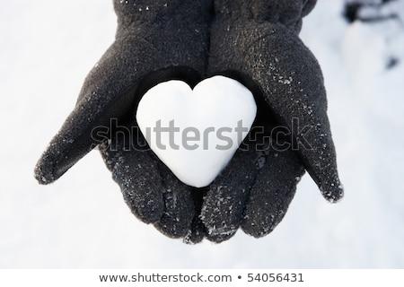 kadın · kalp · dışarı · kar · sevmek - stok fotoğraf © monkey_business