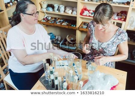 Donne lavoro giovani gioielli bella Foto d'archivio © Kzenon