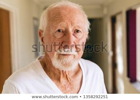 Front widoku zamyślony starszy mężczyzna Zdjęcia stock © wavebreak_media