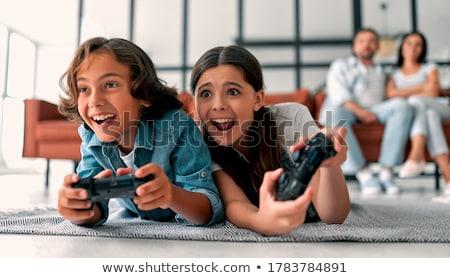 Anne kız oynama video oyunları bilgisayar aile Stok fotoğraf © photography33