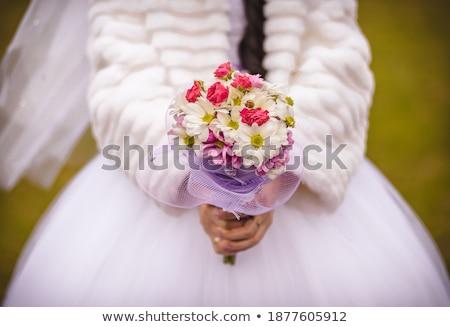 Menyasszony dob virágcsokor rózsák virág esküvő Stock fotó © IS2