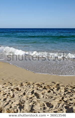 Vagues plage cornwall ciel fond bleu Photo stock © latent