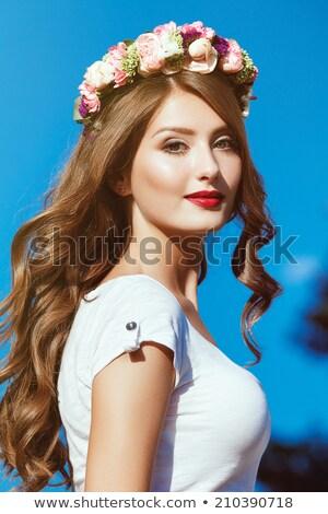 vrouw · krans · mooie · vrouw · bladeren · liefde · vrouwen - stockfoto © konradbak