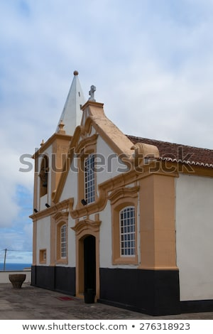 pequeño · iglesia · agradable · vista · lago · lado - foto stock © capturelight