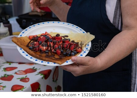 preparado · mirtilos · chocolate · molho · raso - foto stock © danielgilbey