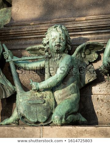 бронзовый статуя женщину небе искусства войны Сток-фото © chrisbradshaw