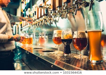 Dotknij piwa Czechy ręce strony strony Zdjęcia stock © jarin13