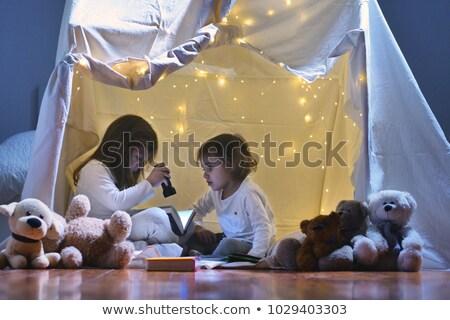 Stockfoto: Twee · kinderen · slaap · vloer · gezicht · haren