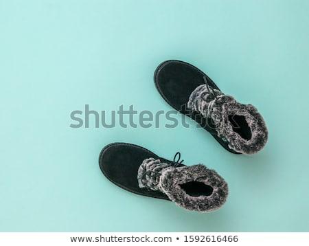 女性 · 靴 · 黒 · 白 · 色 · 靴 - ストックフォト © dash