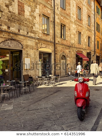antieke · straat · Italië · typisch · gebouw - stockfoto © photooiasson