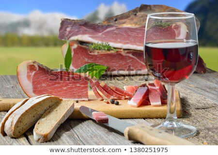 Vino tinto prosciutto jamón vidrio mesa cena Foto stock © Alex9500