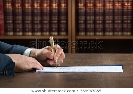 Justice travail juridiques document Homme Photo stock © AndreyPopov