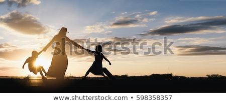 Foto stock: Mãe · filho · filha · caminhada · juntos