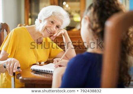 Oude dame onderwijs kleinkind lezen liefde kind Stockfoto © photography33