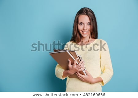 portret · vrolijk · dromerig · brunette · vrouw - stockfoto © lithian