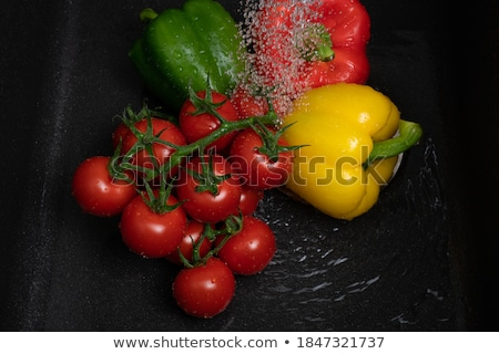 Lavage fraîches rouge tomate robinet d'eau eau Photo stock © Lizard