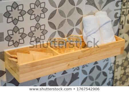 Toallas gafas artículos de tocador Pareja preparado casa Foto stock © galitskaya