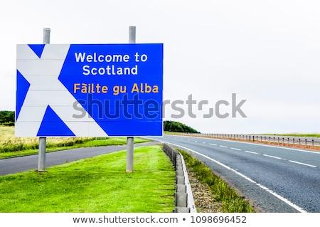 Verkeersbord Schotland noorden west schrijven westerse Stockfoto © Hofmeester