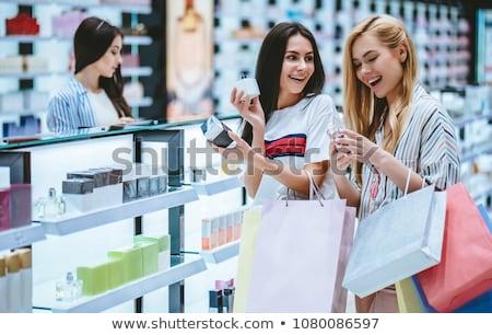 Vrouw kopen zak mall jonge gelukkig Stockfoto © Kzenon