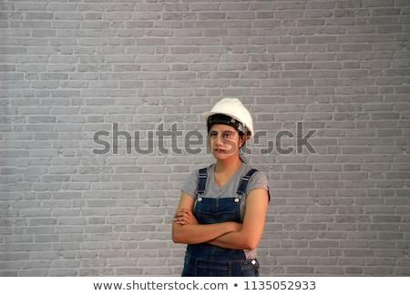 Foto stock: Atractivo · constructor · mujer · blanco · camisa · cinturón