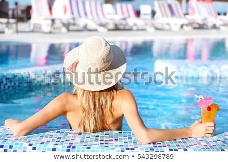 sesión · piscina · hermosa · feliz · jóvenes - foto stock © diego_cervo