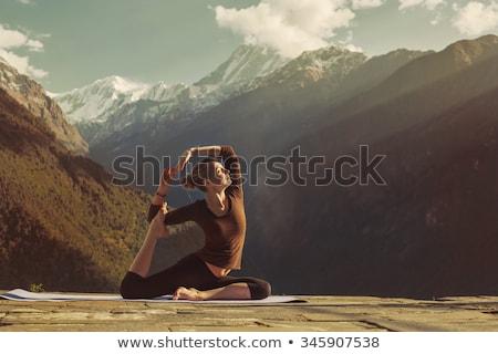 девушки горные изолированный белый тело Сток-фото © orensila