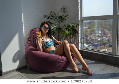 mooie · brunette · vergadering · lichaam · huid - stockfoto © alones