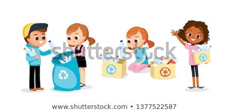 jovem · reciclagem · plástico · garrafas · terra · assinar - foto stock © photography33