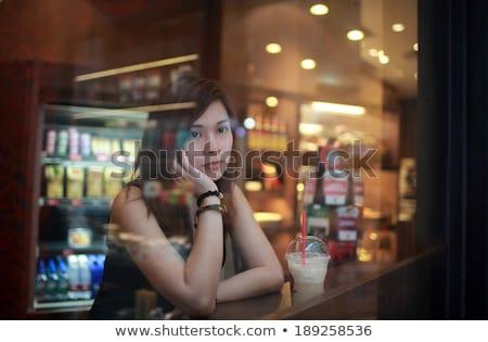 meisje · vergadering · cafe · wachten · iemand · vrouw - stockfoto © lewistse