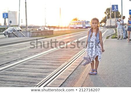 孤独 少女 待って 市 トラム 駅 ストックフォト © Kor