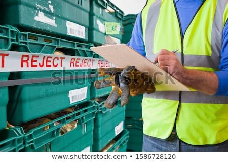 Középső rész raktár munkás vágólap közelkép kezek Stock fotó © wavebreak_media