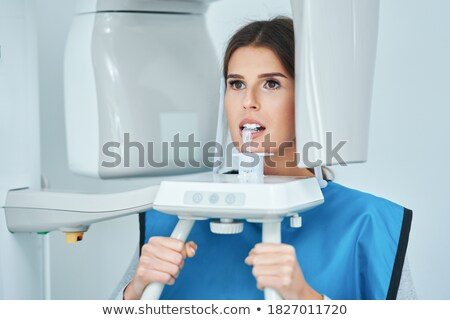 doktorlar · hasta · bakıyor · xray · sağlık · tıbbi - stok fotoğraf © boggy
