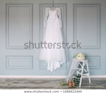 Stockfoto: Trouwjurk · bruid · houten · muur · vrouw · muziek