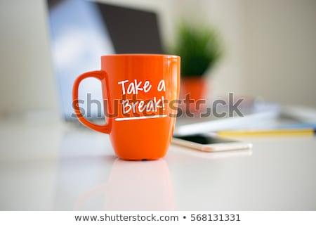 Stok fotoğraf: Kahve · molası · fincan · siyah · kahve · dizüstü · bilgisayar · kalem · içmek