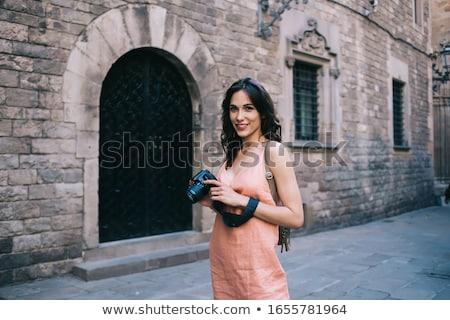 Brunetka pani zwiedzanie starówka kobieta dziewczyna Zdjęcia stock © majdansky