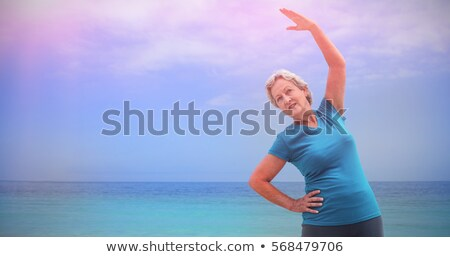 Kıdemli kadın egzersiz plaj Stok fotoğraf © wavebreak_media