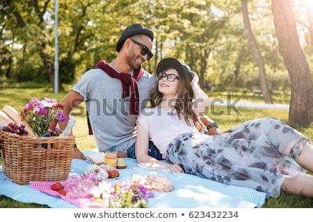 Foto d'archivio: Coppia · picnic · ragazza · uomo · giardino · estate