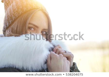 Stockfoto: Aantrekkelijk · meisje · gedekt · witte · bont · portret · mooie