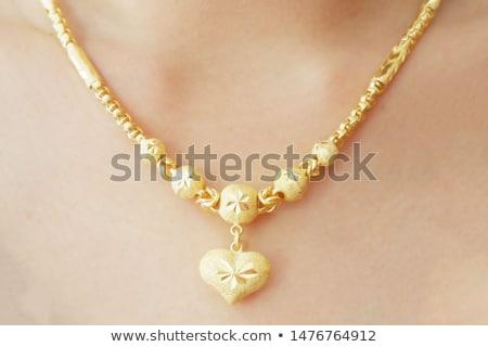 Kobieta złota biżuteria portret piękna Zdjęcia stock © lithian