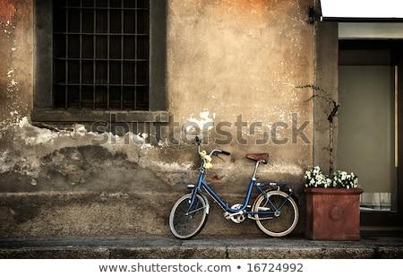 古い · イタリア語 · 自転車 · 赤 · 日光 · 古代 - ストックフォト © andreypopov