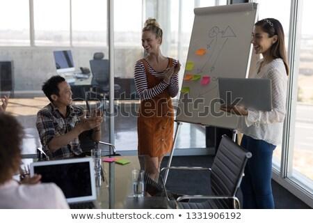 Yandan görünüş güzel kadın İş stratejisi Stok fotoğraf © wavebreak_media