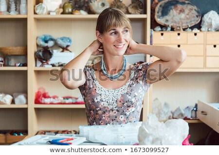 женщину ожерелье стороны ювелирные молодые Сток-фото © Kzenon
