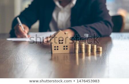 to · do · list · bevestigd · oranje · magnetisch · papier - stockfoto © zhekos
